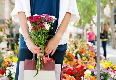 woman  in flowers market
