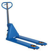 Photo blue hydraulic pallet jacks isolated on white background