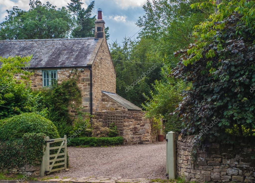 Casolare in pietra country inglese foto stock for Piani di costruzione di cottage gratuiti