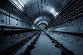 tunel hluboké metra