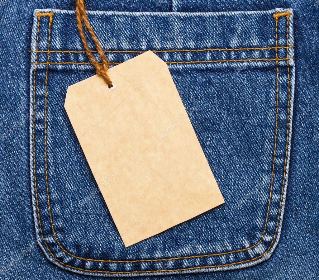 Bolso de calu00e7a jeans e a etiqueta de preu00e7o u2014 Stock Photo ...