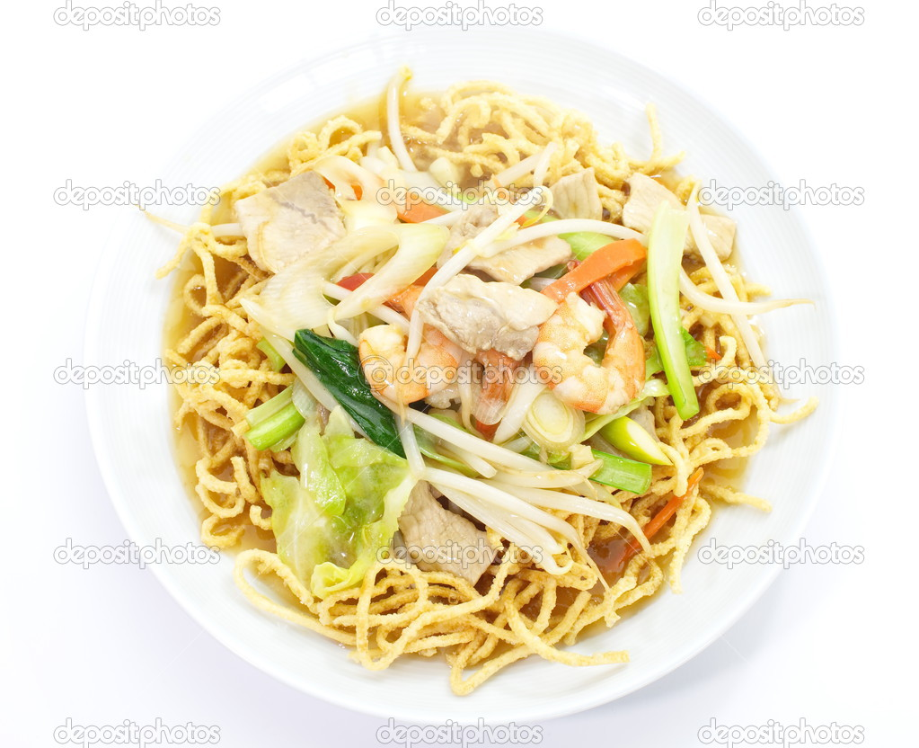 Chinese fried yellow noodles with pork