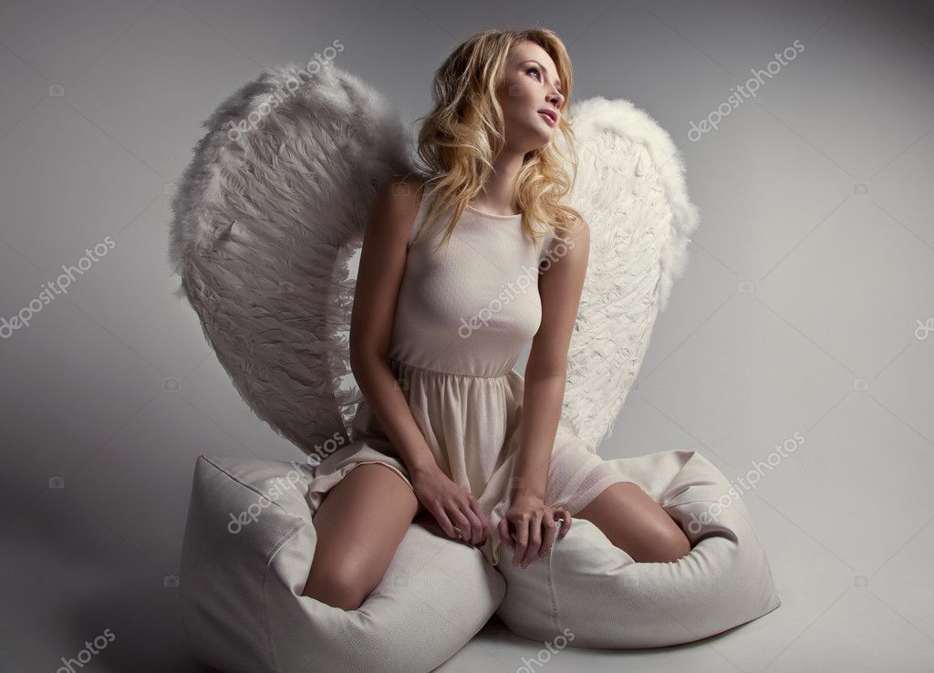 Ангел тинейджер блондинка
