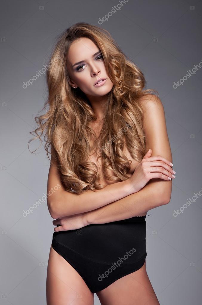 Фото красивых женщин без лифчика фото 231-784