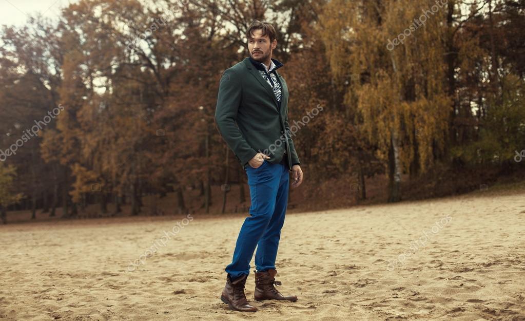 Handosme man weraring fashion clothes