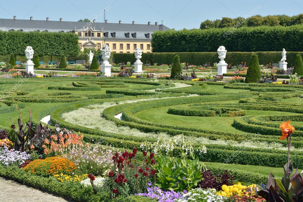 Garten Mit Skulpturen In Den Herrenhäuser Gärten Hannover