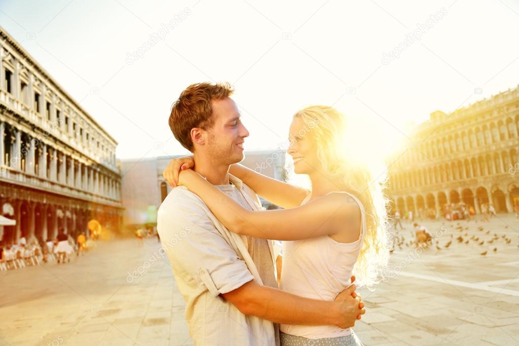 Love - romantic couple in Venice, Piazza San Marco — Stock Photo ...