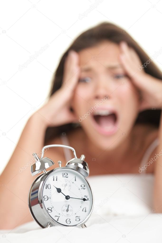 Femme Au Reveil femme de réveil tardif — photographie ariwasabi © #22926630