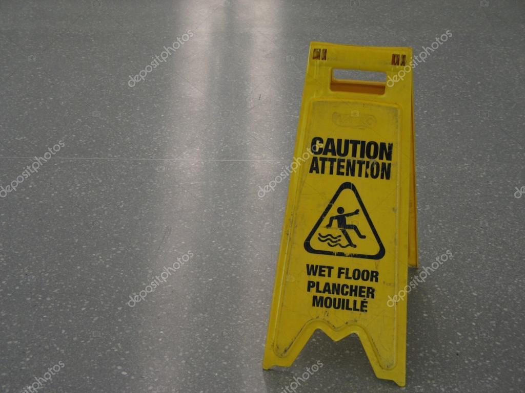 Cartello pavimento bagnato foto stock mbudley 35903269 - Cartello pavimento bagnato ...