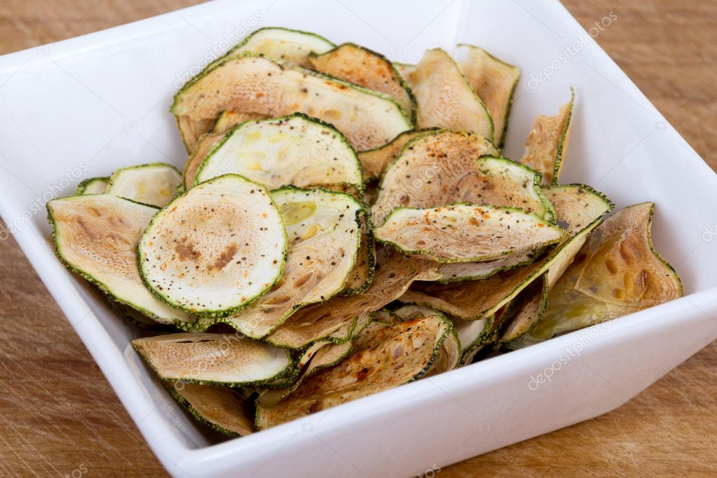 Zucchini thin chips oven baked