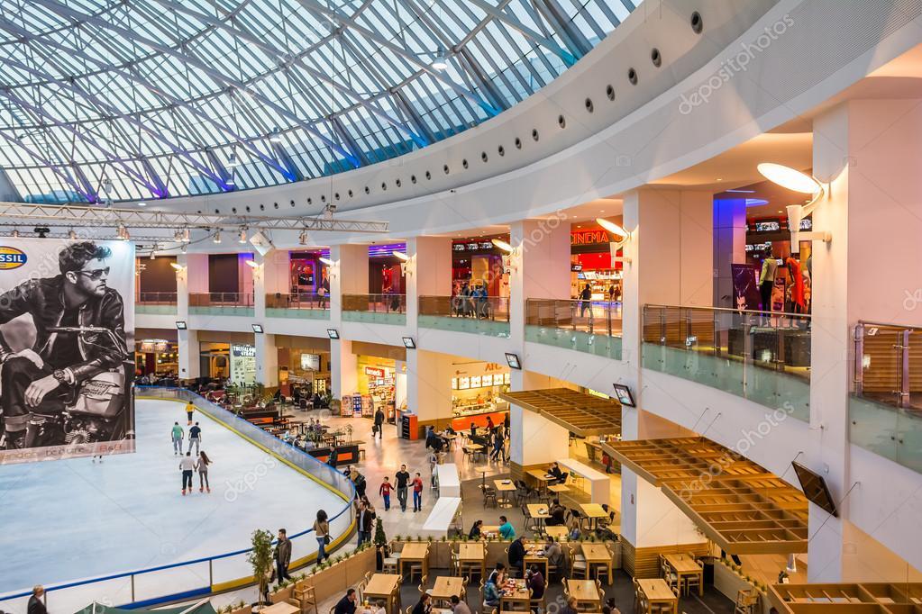 3fff626a02e 고급 스러운 쇼핑몰 인테리어 – 스톡 에디토리얼 사진 © radub85 #42626661