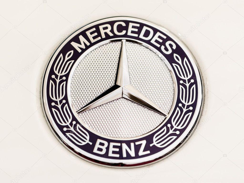 Mercedes Benz Teken Close Up Redactionele Stockfoto C Radub85