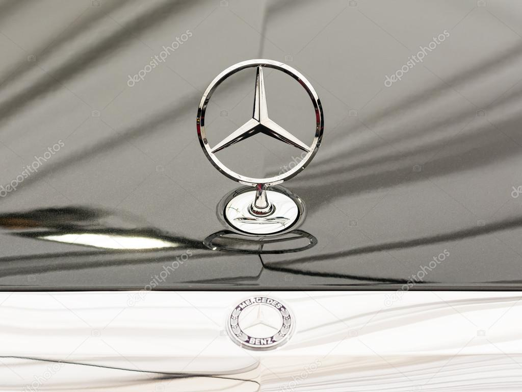 Mercedes Benz Sign Close Up Stock Editorial Photo C Radub85 44530305
