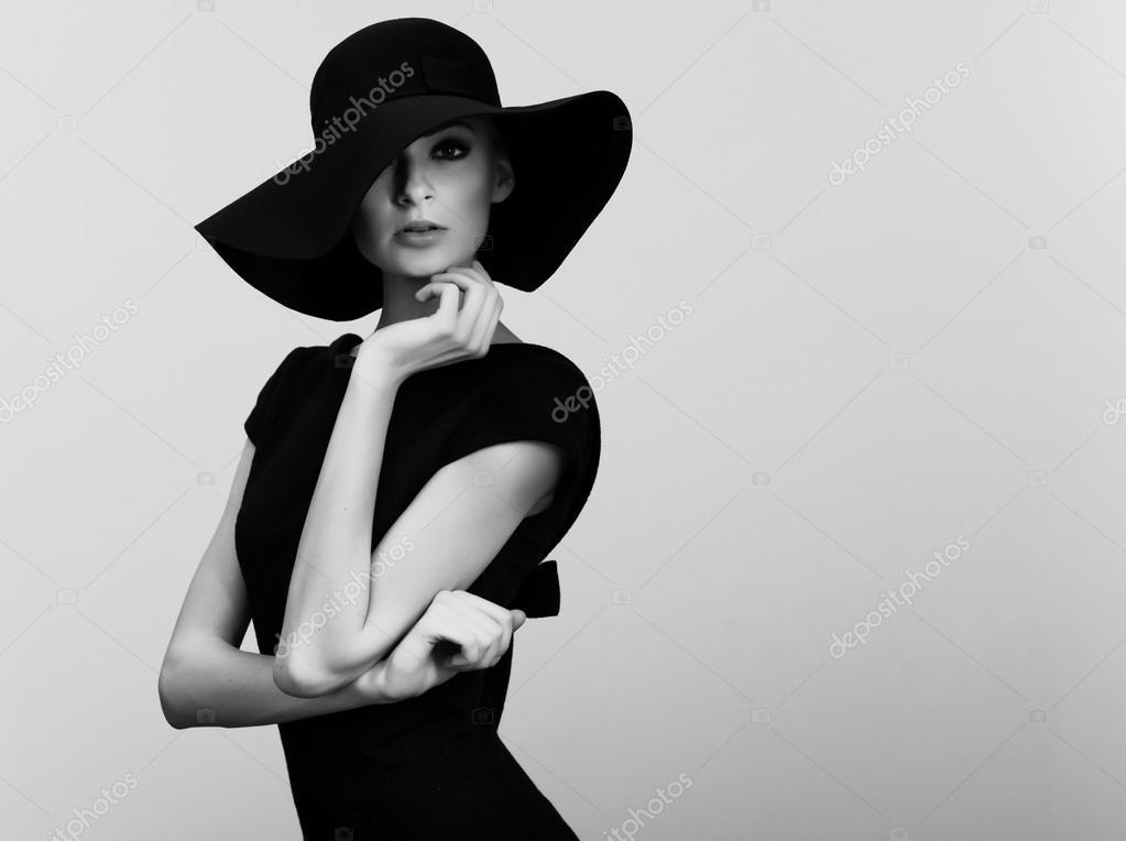 Famoso Ritratto in bianco e nero di donna elegante — Foto Stock  RG43
