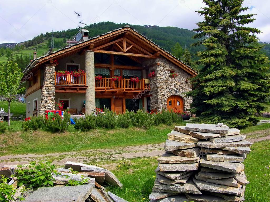 Case Di Montagna In Pietra : Casa di montagna capanna rifugio pragelato tetto fiori