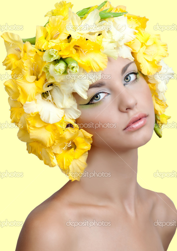 Ilustraciones femeninas  - Página 9 Depositphotos_22730071-stock-photo-portrait-of-beautiful-girl-with