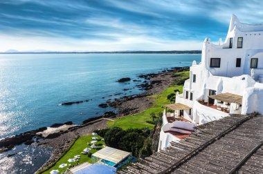 "Картина, постер, плакат, фотообои ""Casapueblo Пунта-дель-Эсте пляж Уругвай"", артикул 20843087"