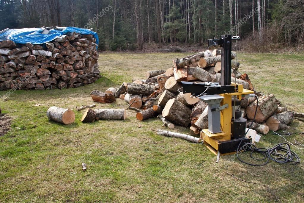 Preparation of wood for the winter, hydraulic splitter