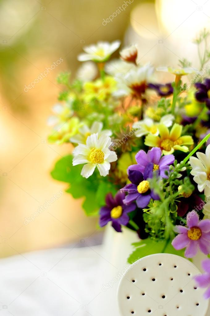 Bonjour avec bouquet de fleurs \u2014 Image de pimnana