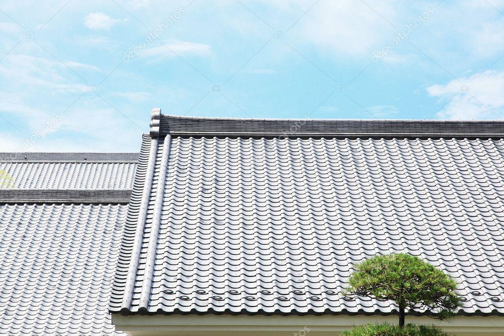 Japanische dachziegel stockfoto kokoroyuki 24417475 for Japanisches dach