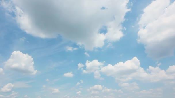 timelapse jasné oblohy