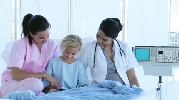 frequentando un medico come infermiera
