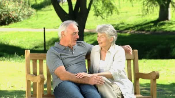 Старик и женщина фото