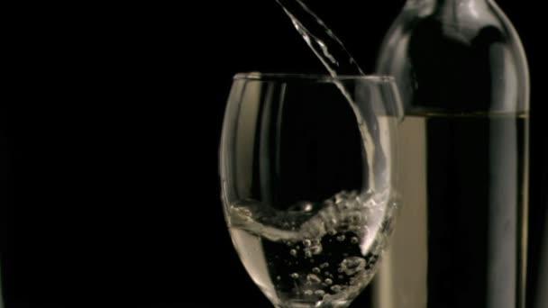 покачал головой, вливают в жопу вино посмотреть мудрых зрелых