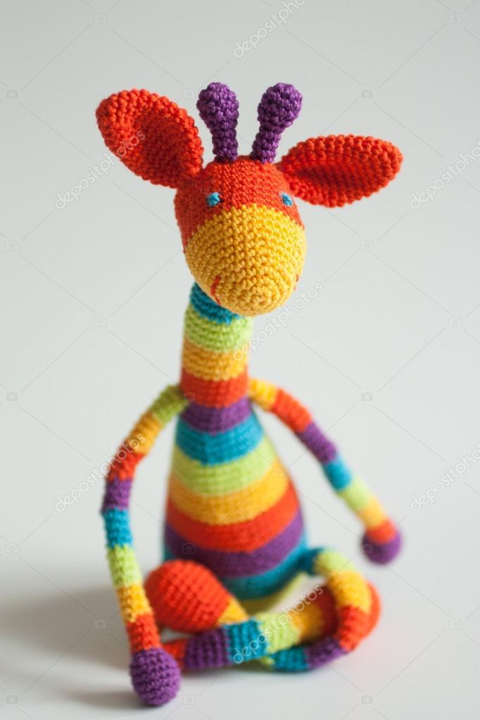 Regenbogen-häkeln-giraffe — Stockfoto © bapawka #35272931