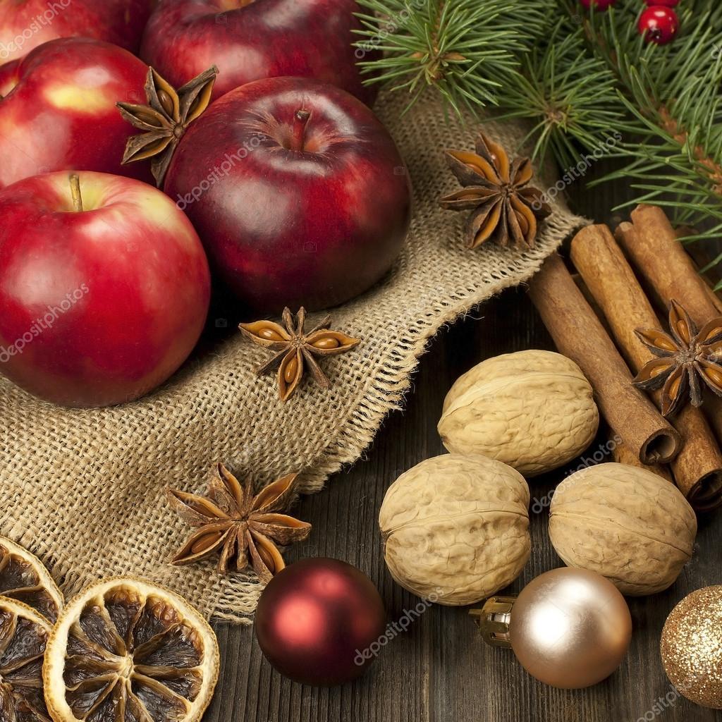 Immagini Natale Natura.Natale Natura Morta Con Frutta E Spezie Foto Stock