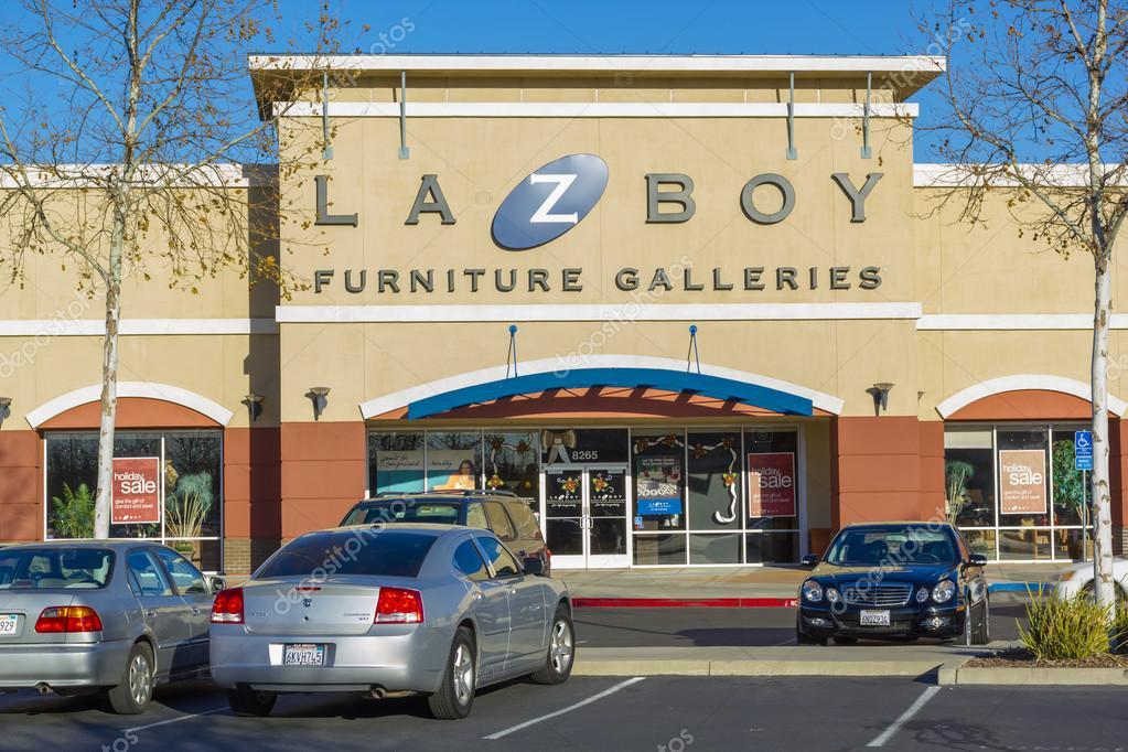 Sacramento, EEUU - el 21 de diciembre: la entrada de la tienda la-z ...