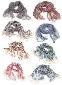 Fotografia set di sciarpe isolato su bianco