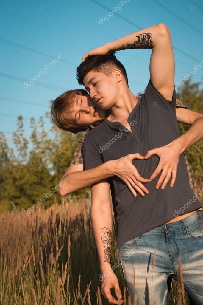 Фото гей пара молодых парней фото 245-385