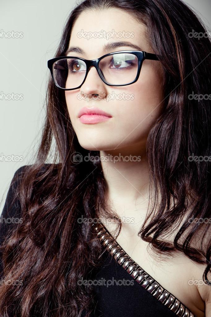 selezione premium bc964 f8bab Immagini: ragazza con occhiali | bella ragazza con occhiali ...