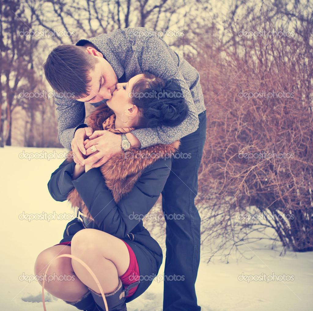 Baiser Amoureux baiser amoureux à winter park — photographie toomler © #29173169