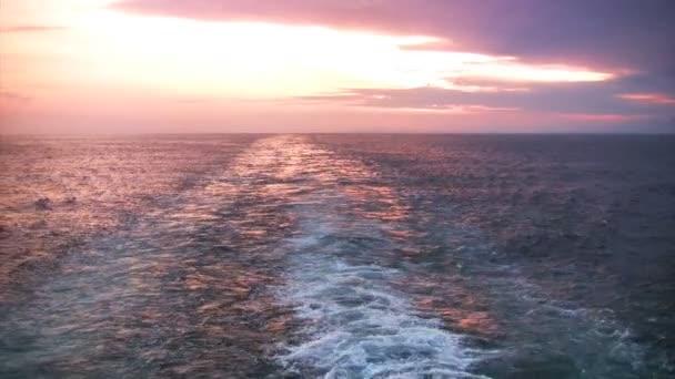 západ slunce za zádí