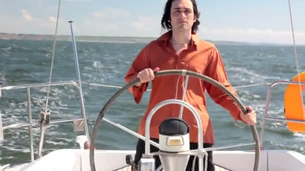 jachta kormidelník