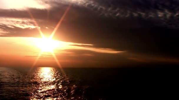 A végtelen tenger a Sunset