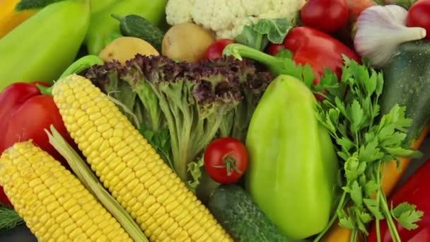 különböző zöldségek