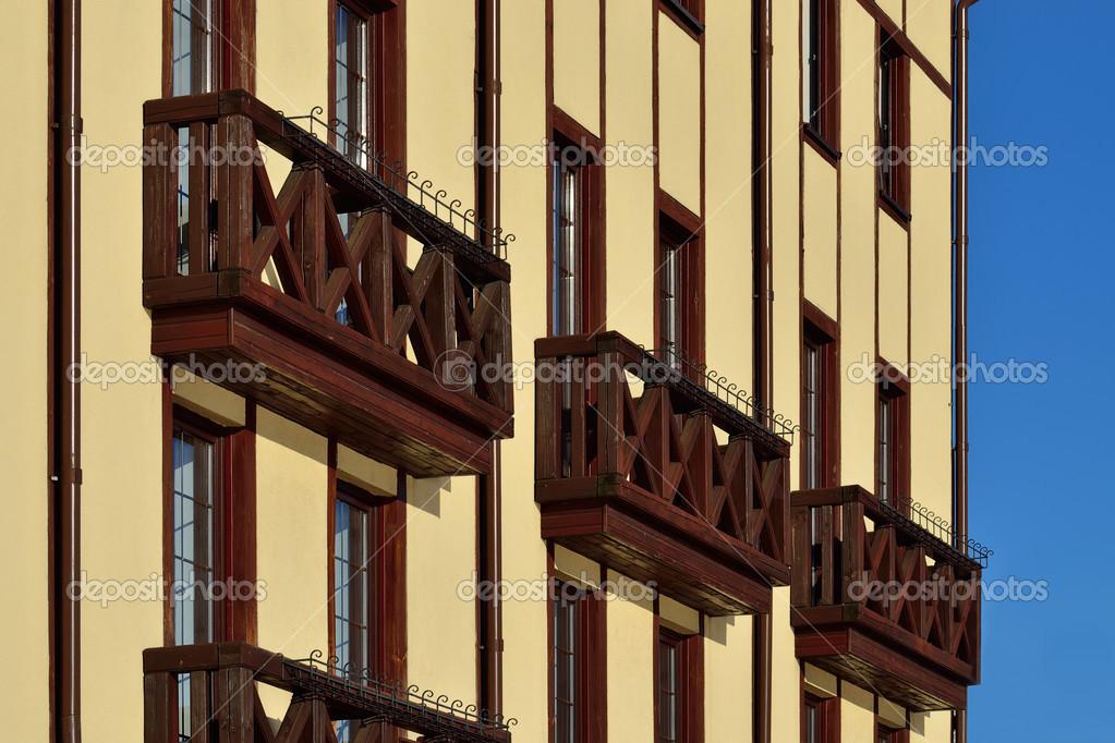 Houten franse balkons - stok foto svtdep #47947185.