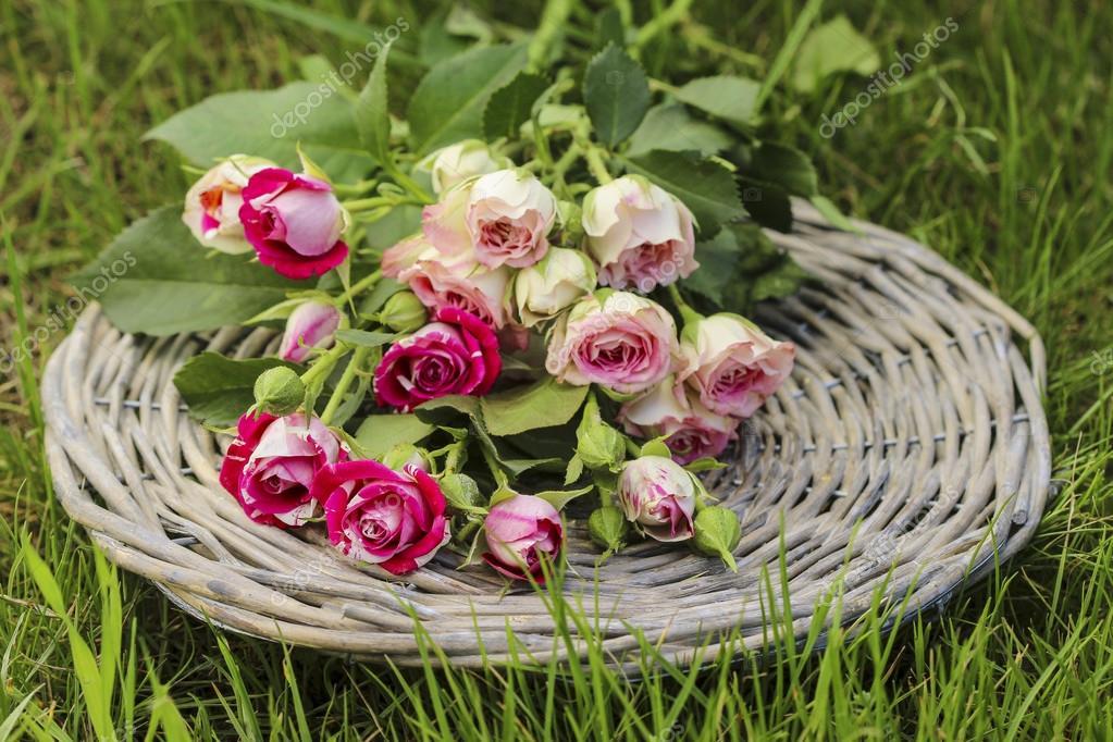 D coration de f te champ tre bouquet de roses roses sur - Decoration fete de fiancaille ...