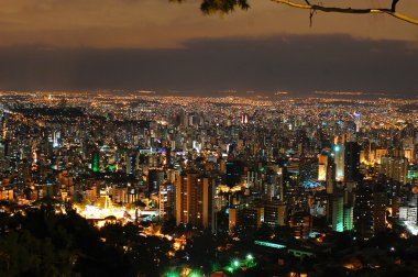 Belo Horizonte by night.