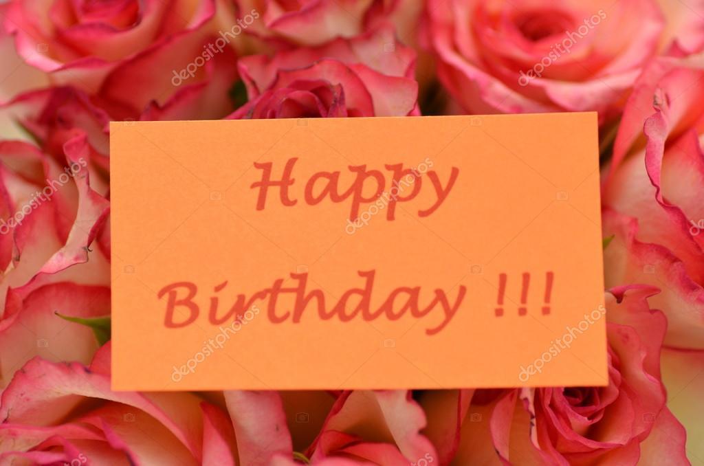 Buon Compleanno E Bouquet Di Rose Rosse Bellissime Foto Stock