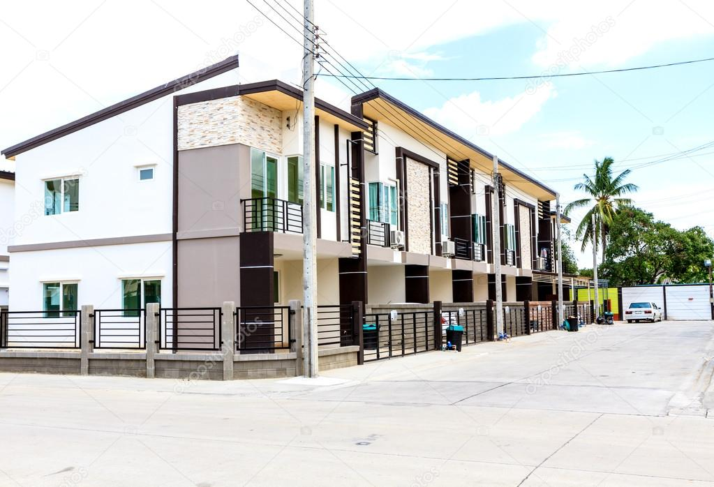 Townhouses in Thailand — Stock Photo © Bunwit #31258777