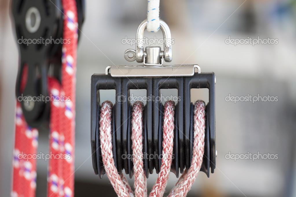 seil umlenkrollen f r ein segelboot stockfoto mauvries 28530723. Black Bedroom Furniture Sets. Home Design Ideas