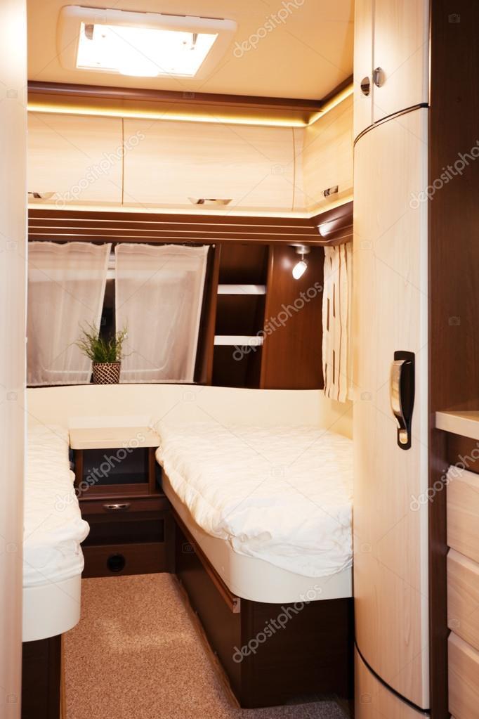 Schlafzimmer Innere des Mobil-home — Stockfoto © Banoart #32206809
