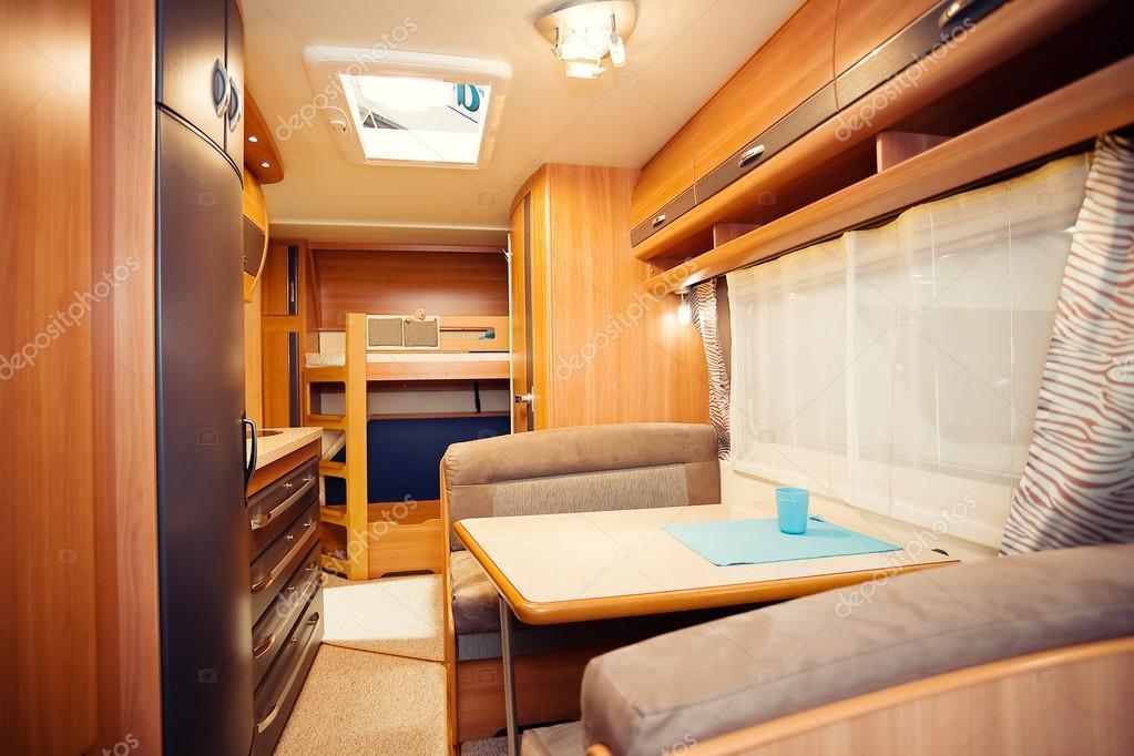 Interieur des modernen camper — Stockfoto © Banoart #45853169