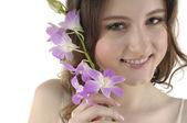 Krásná žena s květinami