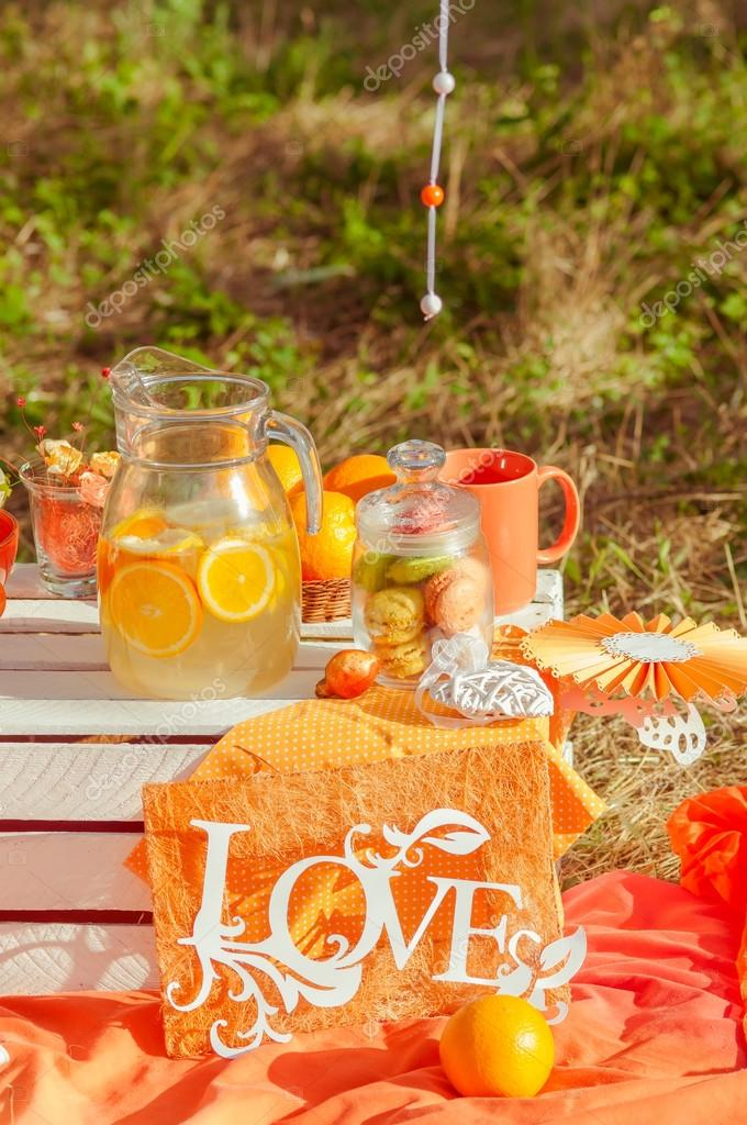 прошлом такую фотосессия пикник апельсины мире свирепствует коронавирус
