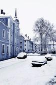 Autos auf der Straße nach Schneefällen, Straubing, Bayern, Deutschland